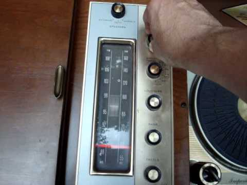MAGNAVOX AM/FM/PHONO 1962 CONSOLE STEREO TUBE AMPED DEMONSTRATION