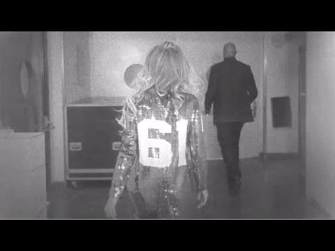 Beyoncé X10: Walk To Stage video