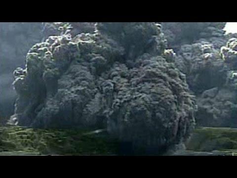 Japan volcano eruption triggers highest alert, locals' evacuation.