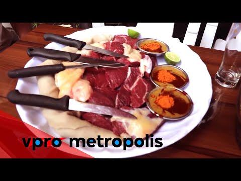 Eating raw meat in Ethiopia - VPRO Metropolis thumbnail