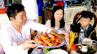 Eat Prawns at Restaurant in Takeo province - Tourism of Cambodia
