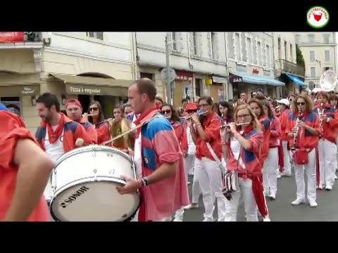 Vidéo du défilé des bandas des fêtes ( férias ) de Dax 2014