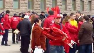 Ei/ele participă la protestele socialiste de la Parlament