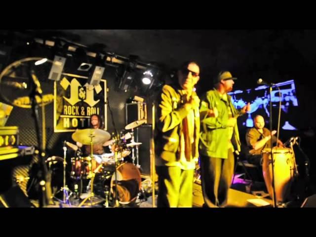"""Cumbia Salvaje (Live)"" - Empresarios"