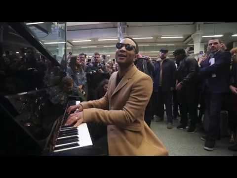 JOHN LEGEND PERFORMS  ORDINARY PEOPLE AT ST PANCRAS INTERNATIONAL STATION #1