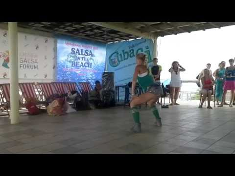 Crimea Salsa Forum 2014 - reggaeton class - Ksenia Chkalova