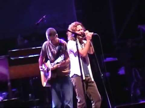 Pearl Jam- Last Kiss (berlin 2006) video