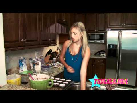 Baking Cupcakes with Nickelodeon's Gracie Dzienny