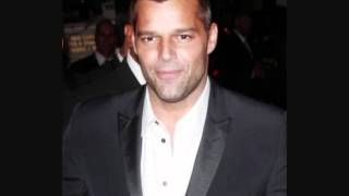 Watch Ricky Martin Ella Es video