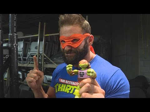 TMNT WWE Ninja Superstars Michelangelo as Randy Savage action figure unboxing with Zack Ryder