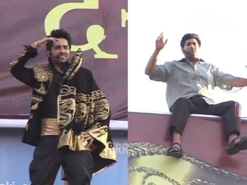 Ayushmann Khurrana, Kunaal Roy Kapur Recreate 'Sholay' Suicide Scene For 'Nautanki Saala'