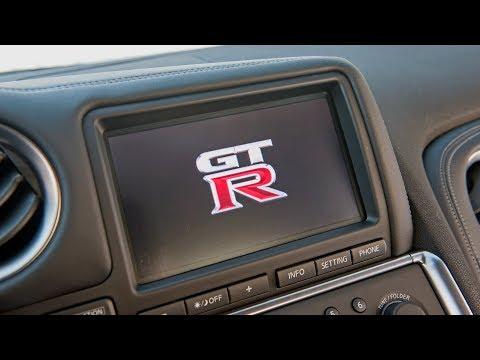 Обзор Nissan GT-R — Многофункциональный дисплей