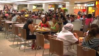 BAND CIDADE - Travesti é proibido de usar banheiro em Shopping de Salvador