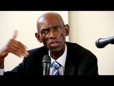 Conférence de Presse animée par le Dr François Mpuila. Les statuts de l'UDPS ont-ils été falsifiés?