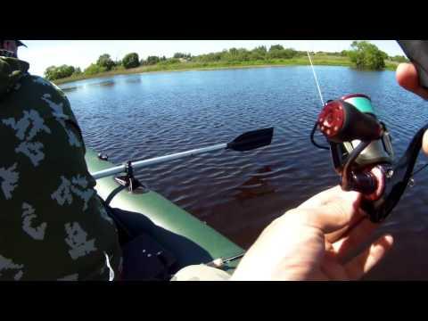 рыбалка на кастинговую сеть на озере