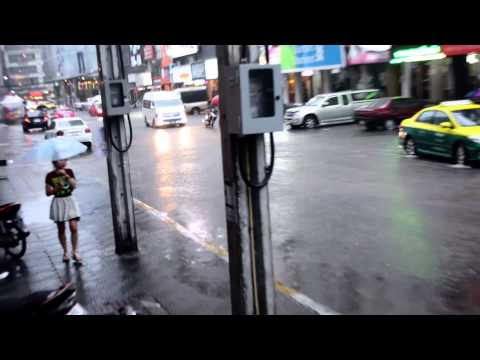 Rain in Bangkok city (Pratunam-Mark) Thailand 2014 HD