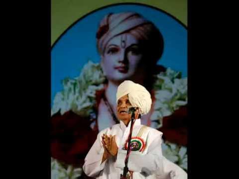 Baba Maharaj Satarkar - Roopa Pahata Lochani - Sant Dnyaneshwar video