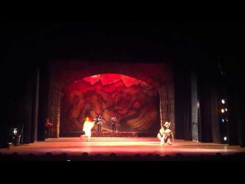Danza del Torito - Ballet Folklórico de la Universidad de Guanajuato 2013