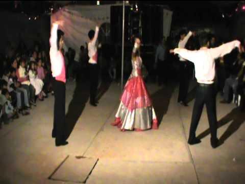 Una Nueva Experiencia En El Baile, Vals De Entrada El Titanic En Electronica video