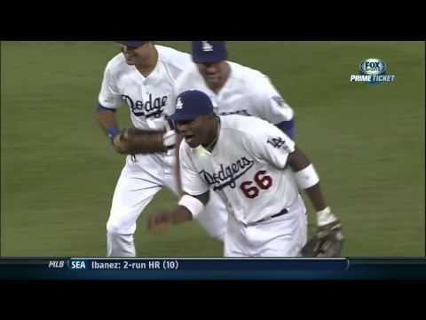 LA Dodgers Yasiel Puig Incredible throw.