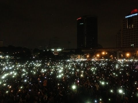 Suara Rakyat 505: Thousands 'light up' PJ rally despite crackdown fears