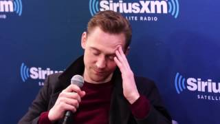 Download Lagu Tom Hiddleston, Brie Larson and Samuel L. Jackson talk about Thor: Ragnarok and Marvel Gratis STAFABAND