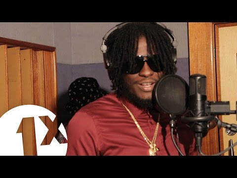 Aidonia freestyles for Seani B in Jamaica