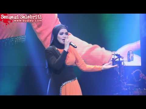 Versi Paling Sedap Lagu Kesilapanku Keegoanmu Dato' Siti Nurhaliza video