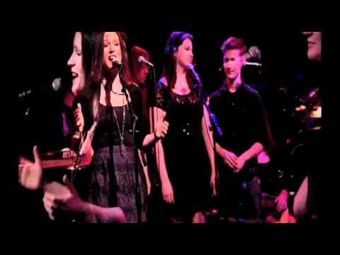 Young Kind of Love - Carrie Manolakos - Live @ Joes Pub