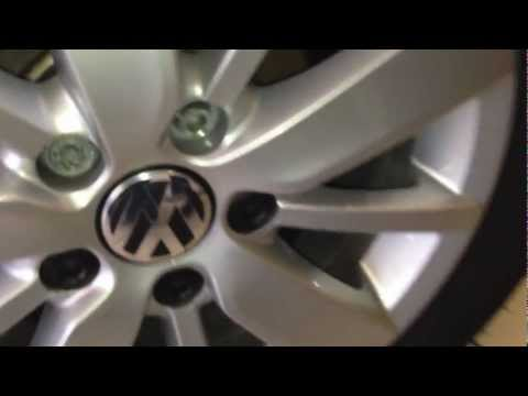 VW wheel nut/bolt cover removal or replacement