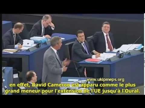 Nigel Farage clashe l'UE