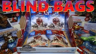 Opening JURASSIC WORLD Blind Bags, surprise DINOSAUR FIGURES!