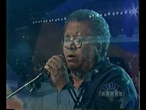 Pablo Milan�s - Pablo Milanes - El amor de mi vida en vivo (audio mejorado)