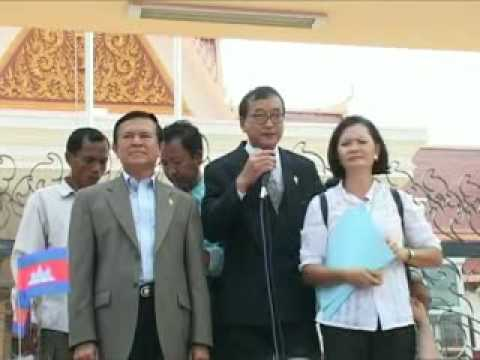 MP Sam Rainsy addresses workers on the International Labor day Video
