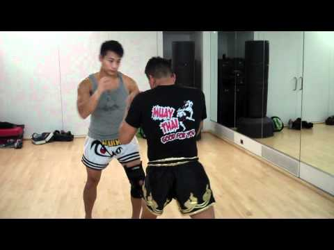 Kaensak Technique 3: Muay Thai head kick defense