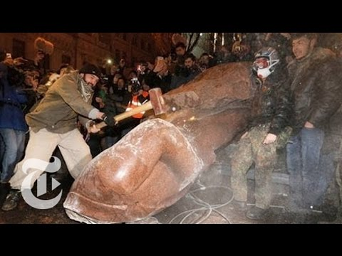 Ukraine Protest: Tearing Down Lenin s Statue in Kiev