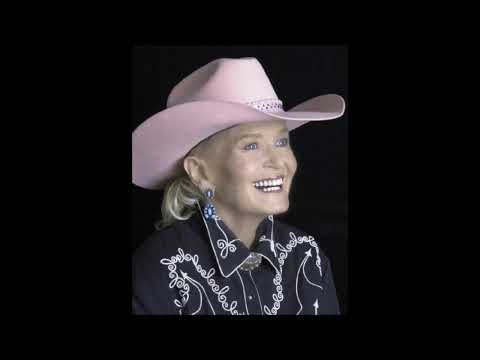 Lynn Anderson - A Little Bit More