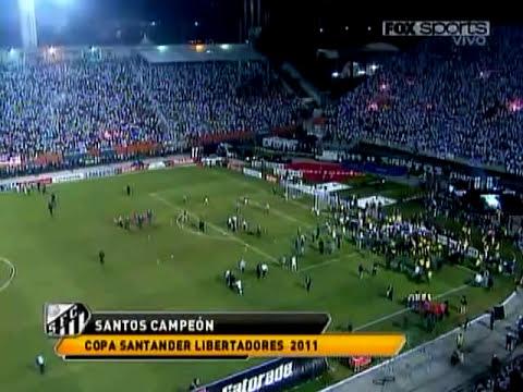 Pelea entre futbolistas de Santos y Peñarol