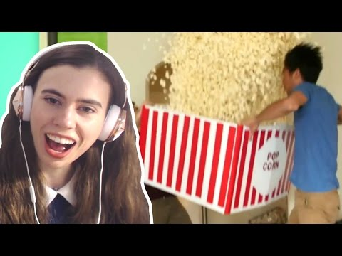 REACTING TO MAGIC TRICKS - BEST MAGIC TRICKS - FOOD MAGIC