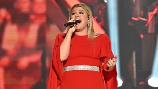 Kelly Clarkson singing Fancy in tribute to Reba McEntire at 41st Kennedy Center Honors (Audio Only)