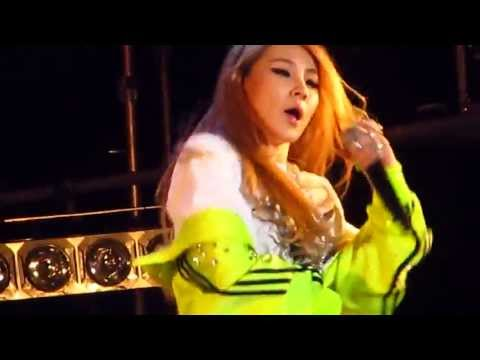 2NE1(투애니원) - Clap Your Hands(박수쳐) at Snoop Dogg Live in Korea (CL)