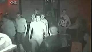 FIGHT - Man attacked in a Club returns with a knife to the neck