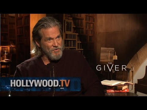 The stars of The Giver - Hollywood.TV