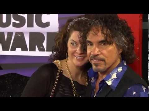 John Oates, Hall & Oates CMT Music Awards