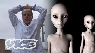 This Alien Channeler Says He Speaks to Extraterrestrials