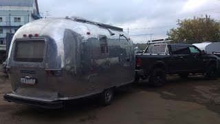 Airstream 1971 on air suspension. Американский прицеп Эирстрим на пневмоподвеске Анвир