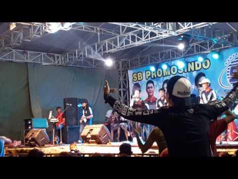 Reny Farida - Gemantunge Roso Live In Bali