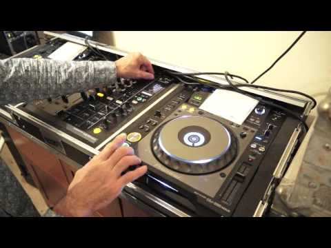DJ BEAT MATCHING LESSON  The  MOVE N NUDGE technique MOVE  PITCH, NUDGE, PLATTER TO FINE TUNE