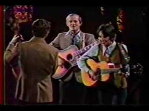 Joan Baez w The Smothers Bros. - I Shall Be Released