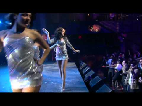 Rihanna - S.o.s [new Years Eve 2007] video